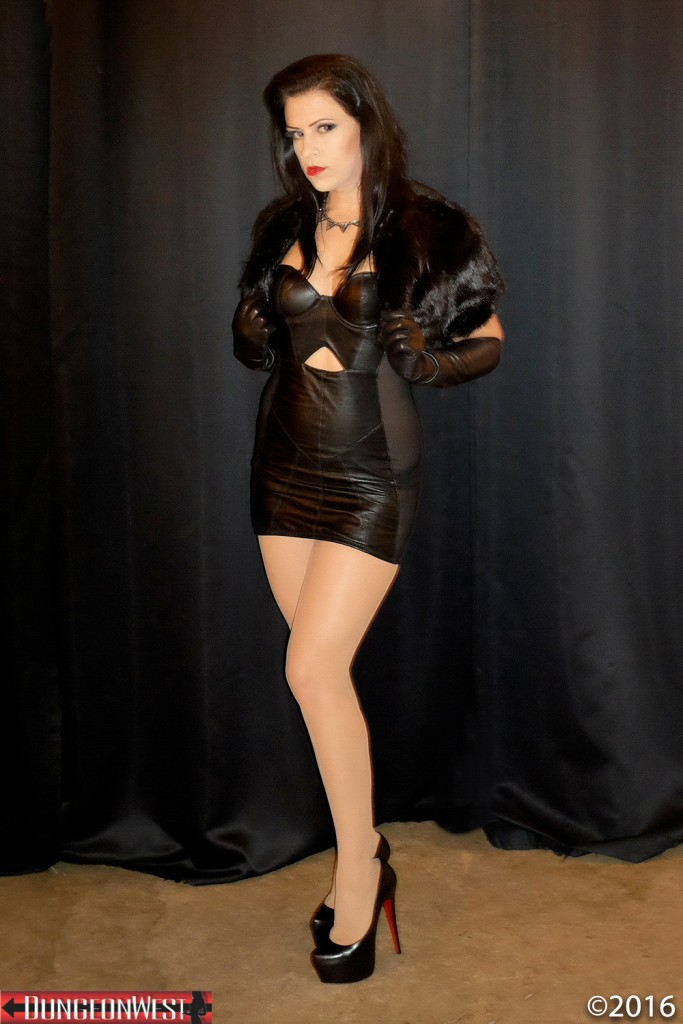 Los Angeles Dominatrix | Mistress Justine Cross