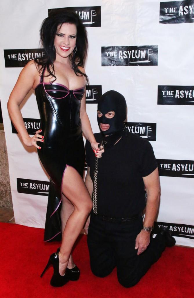 slave jack post- Mistress Justine Cross